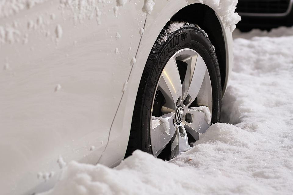 Quelles sont les mesures de sécurité auto à l'approche de l'hiver